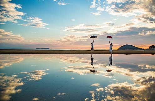 ▲ 約1kmのロングビーチ 夏には多くの海水浴客も訪れます
