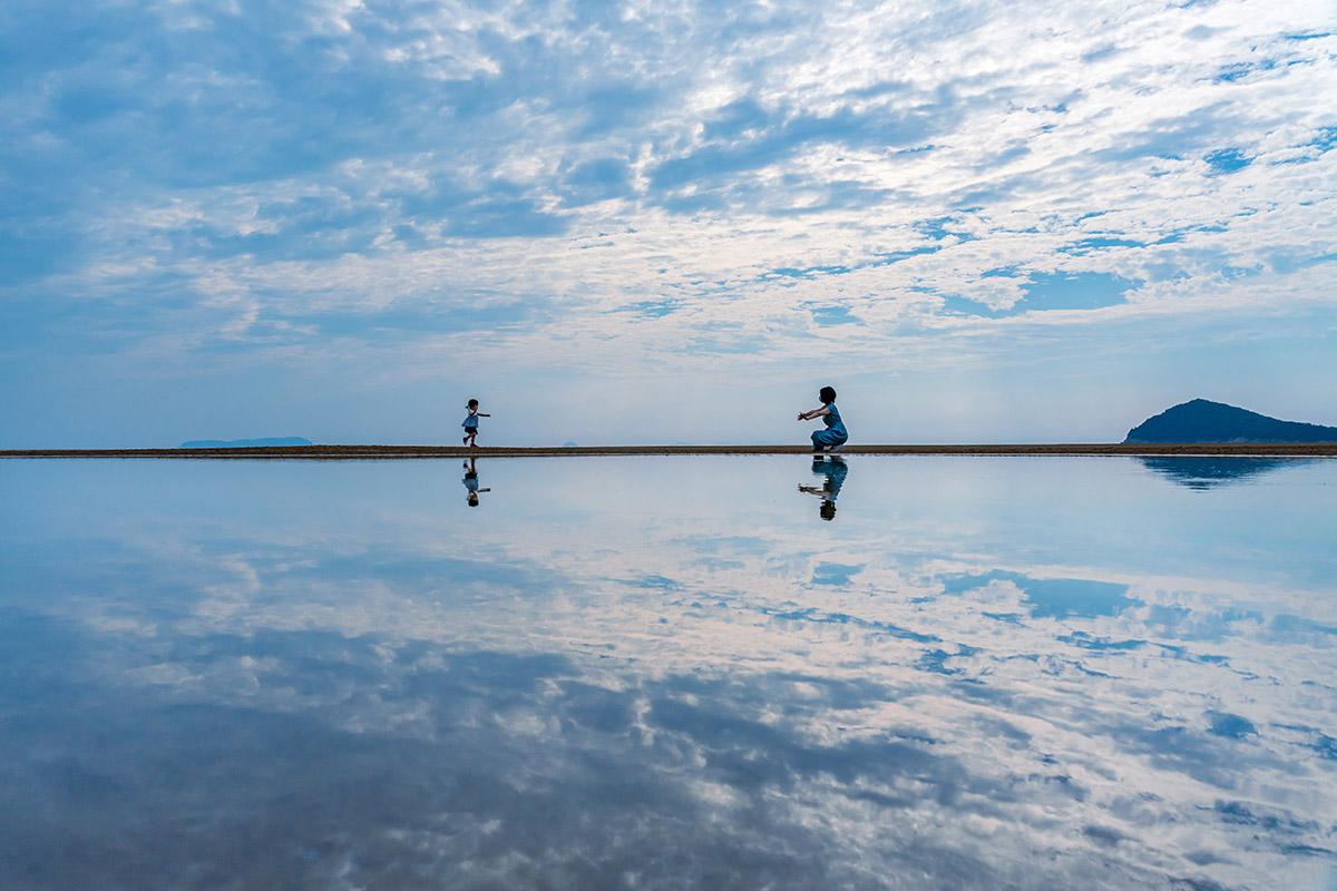 上杉孝徹(観音寺市)「夏の記憶」<br>[テーマ]B 海と空を繋ぐリフレクション
